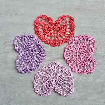 Little pink crochet heart Appliques shapes small hearts Pineapple pattern Beautiful ananas motif crocheted lace Embellishments ornaments