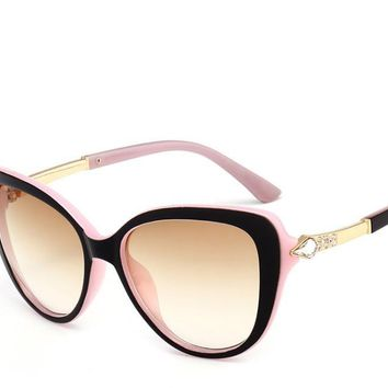 New manufacturers wholesa sunglasses women fashion sunglasses cat eye wild glasses Europe and the United States wind sunglasses