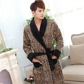 Winter Men thick Flannel Bathrobe Traditional Bath Robe High Quality male sleepwear homewear Couple lounges pajamas 0.9kg 062602