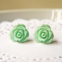 Mint Cream Rose Earrings. Titanium .. on Luulla