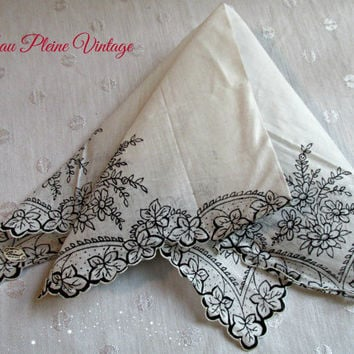 Vintage Flowers Leaves Original Brumel Scalloped Handkerchief Hankie Hanky Navy White