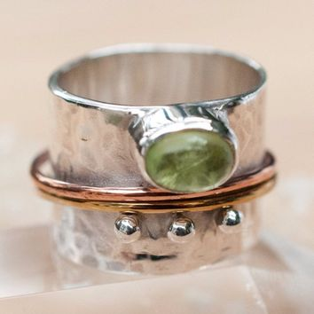 Libby Meditation Spinner Ring - Peridot (BJS018)