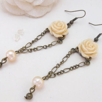Vintage brass earrings with natural pearls and ivory roses by PragueVintage