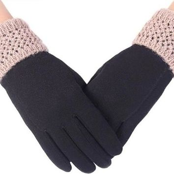 Leisure Knit Solid Text Screen Winter Gloves