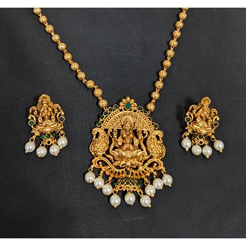 Single stranded ball chain with Goddess Lakshmi Pendant Necklace and Stud Earring set