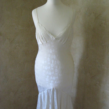 Vintage 1990's Christian Dior Chantilly Lace and Silk Floral Cream Dress BEAUTIFUL