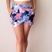 CUTE TWO PIECE FLOWER SHORTS AND SEXY TOP DRESS