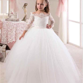 2016 New Cute White Iovry Lace Flower Girl Dresses With Sleeves for Weddings Children Prom Gown Girls First Communion Dresses