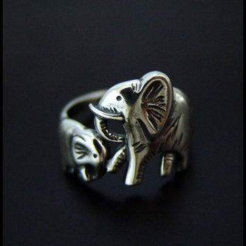 Baby & Mama Elephants Ring High Quality by SilverJewelryShop