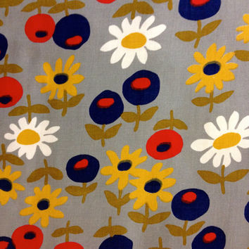 60s Flower Power Delightful Daisy Cotton Fabric//  Fab Floral by Schwartz Liebman Textiles// Fabric Yardage// New Old Stock// By the Yard