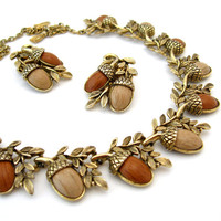 ACORN Necklace Earrings Set / Thermoplastic Faux Wood Brown Molded Plastic / Autumn Fall / Vintage 1950s Jewelry