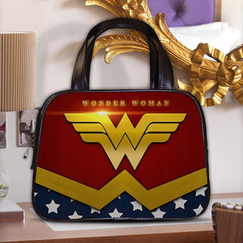 Wonder Woman Justice League Female Furies Women's Classic Carrier Purse Leather Handbag