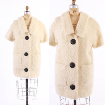 Vintage 60s Wool COAT / 1960s Shaggy Ivory MOHAIR Boxy Mod Big Button Jacket