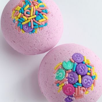 Shopkins bath bomb! Gift for girls with toy inside !