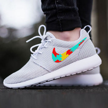 Custom Nike Roshe Run sneakers, Womens nike, Tribal design, cute design,  womens