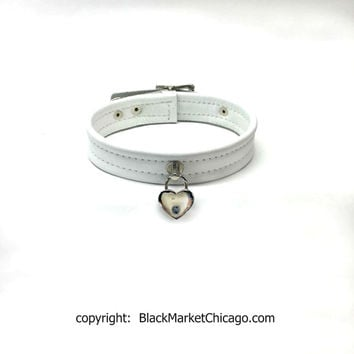 BDSM Collar WHITE LEATHER Wedding or Collaring Ceremony Choker with Heart-Shaped Padlock Lockable - Perfect for Daddy's Baby Girl or Sissy