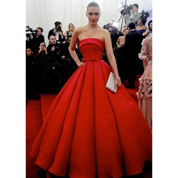 Arizona Muse Red Carpet Celebrity Dresses Strapless Elegant Met Gala Celebrity Dresses Tapetes De Quarto Gowns Ball Gown Formal