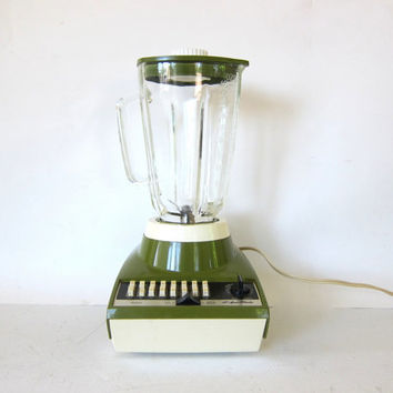 Vintage avacado green Sears  Blender with glass pitcher // 16 speed with timer