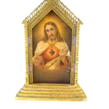 Vintage Sacred Heart Shrine Frame Christian Religious Roman Catholic Shrine Jesus Christ Pot Metal Standing Frame Gothic Icon Frame