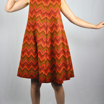 1960s Chevron Mod Mini Dress Tent Dress Pleated Scooter Dress Twiggy Babydoll Dress Size S - M