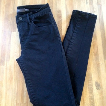 High Waisted Black Skinny Jean (Levi's)