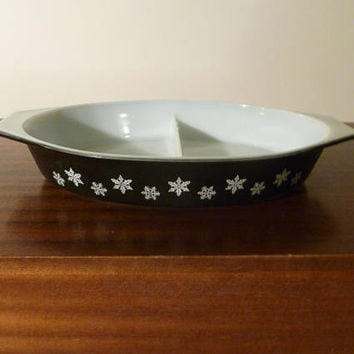 "Vintage 1958 - 1967 JAJ Pyrex Rare ""Black Snowflake"" Pattern 2.5 Pint Divided Vegetable Dish / Casserole Dish / Retro Milk Glass"