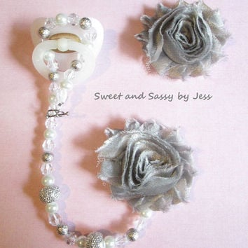 Flower pacifier clip, pacifier clip, Shabby chic, Baby girl pacifier clip, Babygirl, formal paci clip, pacifier holder,Baby shower gift