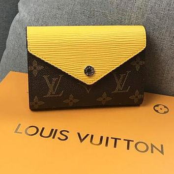 LV Louis Vuitton Newest Fashionable Women Cute Leather Buckle Purse Wallet Yellow