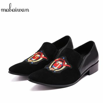 Mabaiwan 2018 Black Men Casual Shoes Embroidery Suede Loafers Flats Espadrilles Men Customized Wedding Dress Shoes Mans Footwear