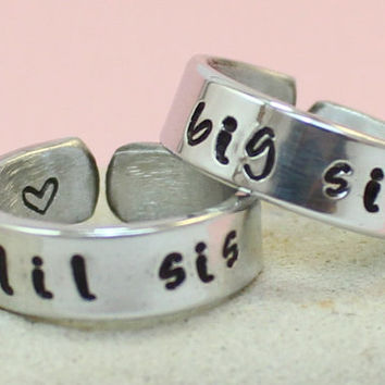 Big Sis - Lil Sis Rings - Personalized Couple rings.. Big Sister Little Sister.. Custom rings.. Hand Stamped, Aluminum Rings.. Silver Rings.