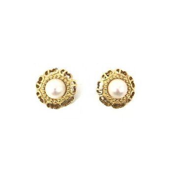 ONETOW Christian Dior Pearl Clip-on Earrings