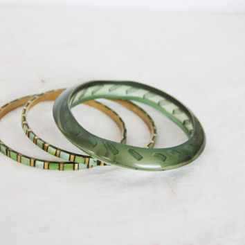 Vintage green bracelets, one, resin plastic bangle and two thin, brass and mother of pearl bangles, stacking boho bangles in pearly green