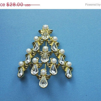 ON SALE NINA Ricci for Avon Vintage Gold, Faux Pearl and Rhinestone, Angels Christmas Tree Brooch,  Holiday Spirit!  #a551