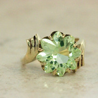 Vintage Yellow Gold Ring Floral Ring Cocktail Ring Estate Ring Vintage Green Ring Flower Ring 1960s Ring Gemstone Ring Size 6.25