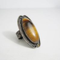 Vintage Ring: Silver and Large Oval Tiger's Eye