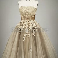 Strapless Short Tulle Ball Gown with Floral Lace Applique/Tea length Ball Gown