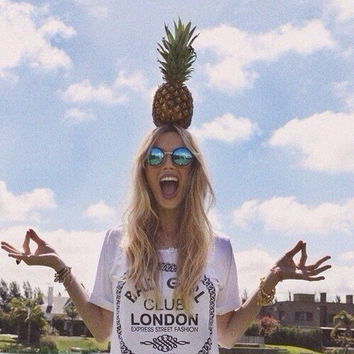vintage, smile, london, grunge, cool, sun, pineapple, outfit, indie, accessories, summer, hipster, hair - image #1981412 by taraa on Favim.com
