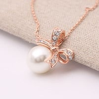 Women Fashion Pearl Crystal Diamond Bowknot Pendant  Charming Chain Necklace New