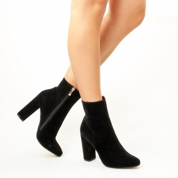 Simmi Shoes: Boots: : Sofie Block Heel Ankle Boots