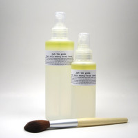 Vegan Daily Makeup Brush Cleanser - 8 oz 235 ml - No chemical solvents, artificial colours or fragrance