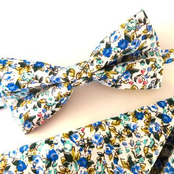 White floral bow tie and pocket square set, wedding tie, mens bowtie, neck wear for men