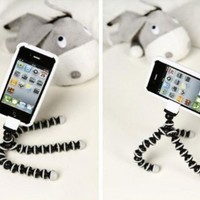 SQdeal® Octopus Style Flexible Portable and adjustable Tripod Stand Holder for iPhone 3 4 4S 5 Samsung Galaxy S2 S3 S4