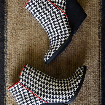 DEAL of the DAY! Houndstooth Booties by Very Volatile