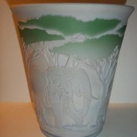 Fenton Glass KELSEY BomKamp Cameo ELEPHANTS Sample Grey Diamond Optic Vase #1/8