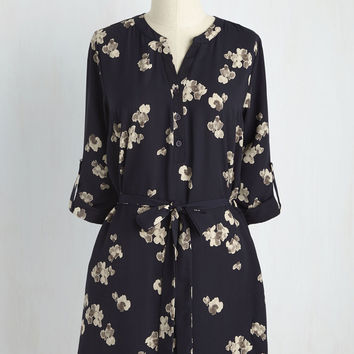 Day for Night Floral Tunic in Navy | Mod Retro Vintage Short Sleeve Shirts | ModCloth.com