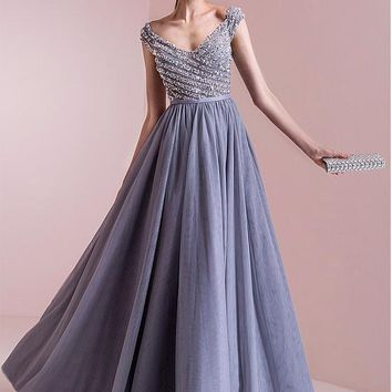 [125.99] Elegant Tulle V-neck Neckline A-line Evening Dresses With Beadings - dressilyme.com
