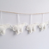 5 Winter White Polar Bears