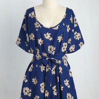 Medium Format Memory Floral Tunic in Navy | Mod Retro Vintage Short Sleeve Shirts | ModCloth.com