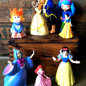 Estate Lot of 6 Disney Character Princesses Snow White Beauty and The Beast Cinderella Toys Cake Toppers