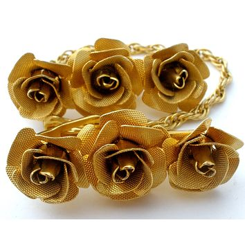 Flower Sweater Clip Set Gold Tone Chain Vintage